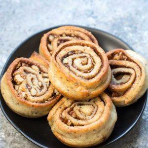 لفائف القرفة الكيتونية - حلويات كيتو في رمضان